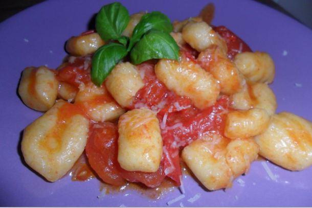 Gnocchi gialli ai pomodorini di benedetta parodi i menu for Ricette di benedetta parodi